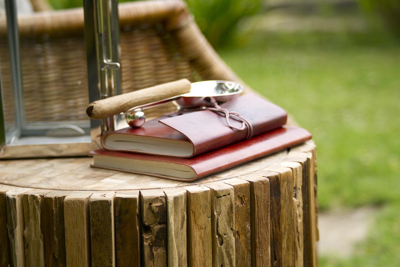 notebook-2436894_1280